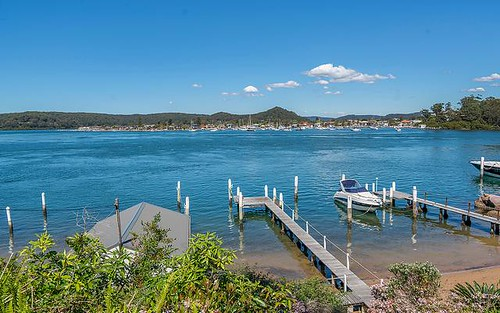 98 Daley Ave, Daleys Point NSW 2257