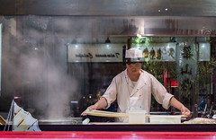 Chinese noodles (Koupal D) Tags: chinatown london noodles restaurant reflections chef cook steam nikond610 nikkor nikon nightshot nightphotography nikon50mm18g londres londra soho streetphotography