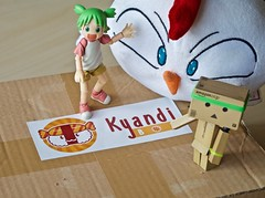 Kyandi Box  (Damien Saint-) Tags: danbo savemepythie japanfood kitkat kyandibox yotsuba toys jouet plastic food