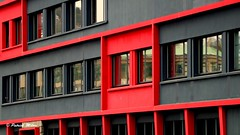 Red and black (patrick_milan) Tags: window fentre reflection miroir miror geometric brest rouge noir
