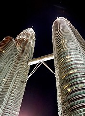 Petronas Twin Tower (Herman's Photography) Tags: night samsung highest malaysia kualalumpur central klcc plus iphone7 twintower petronas