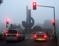 Stop ! (Fontenay-sous-Bois - Officiel) Tags: fontenay fontenaysousbois regionparisienne valdemarne iledefrance 94 94120 valdefontenay france banlieue feutricolore feu rouge red trafficlight outside voiture feustop car diteana