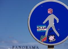 VieW. (Warmoezenier) Tags: azul blauw blue espagne panorama rules spain uitzicht valencia verkeersbord view wandelaar