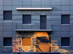 Ford Thunderbird 1964 (serie) (fotomie2009) Tags: vado ligure riflesso reflection façade facciata windows finestre chiuso ford thunderbird 1964 car automobile auto liguria italy italia ponente