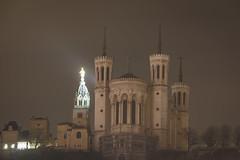 Lyon by night (lyrks63) Tags: france onlylyon monlyon villedelyon ilovelyon cityscape cityview lyon bynight night nightscapes