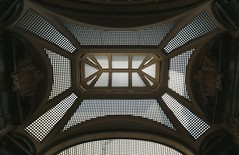 Turin: Galleria San Frederico, roof (HansHolt) Tags: roof italy glass metal torino italia gallery geometry arches symmetry turin galleria italië bogen turijn gallerij canonef1635mmf28liiusm canoneos6d sanfrederico