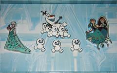 Disney Frozen Fever Pin Set (sh0pi) Tags: birthday anna set happy olaf frozen pin disney le limited edition 800 ff elsa disneystore fever anstecknadel 2015 snowgies