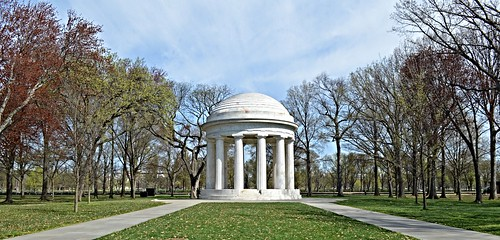 Thumbnail from District of Columbia War Memorial