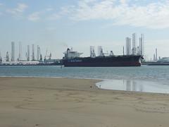 DSCN6466 (jebakker) Tags: nieuwemaas oeverbospad botlek botlekrotterdam deltatankers deltapioneer tanker oiltanker olietanker crudeoiltanker ruweolietanker vlaardingen maassluis