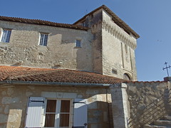 DSCF0121 Chteau d'Aubterre-sur-Dronne (Charente) (Thomas The Baguette) Tags: aubeterresurdronne charente france monolith cave church tympanum glise glisenotredame saintjacques caminodesantiago sexyguy chateau cloister minimes mithra mithras cult