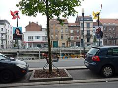 Street in Molenbeek (Antropoturista) Tags: belgium bruxelles brussels brssel molenbeek street chariot einkaufswagen streetart