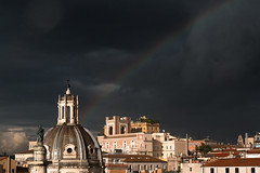Rainbow (Herr Olsen) Tags: rom rome rainbow rain clouds dark wolken dunkel regenbogen