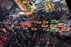 Times Square by night (Lucille-bs) Tags: amrique etatsunis usa newyork timessquare couleur trafic circulation lumire taxi enseigne enseignelumineuse city foule reflet publicit