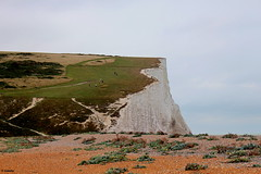 1.104 . The tour starts !! (esnalar) Tags: sevensisters sussex england uk coast acantilado cliff costa