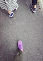 20150813 三人 (ao.611) Tags: 足 靴 歩く 三人 足元