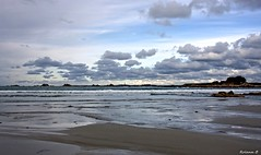 Nuages sur l'le de Batz (Herb) Tags: beach bretagne plage ledebatz plagedudossen isleofbatz