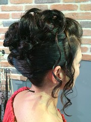 "Coiffure • <a style=""font-size:0.8em;"" href=""http://www.flickr.com/photos/115094117@N03/21198353368/"" target=""_blank"">View on Flickr</a>"
