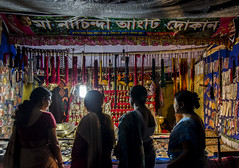 Road Side Shop (suvobroto ray chaudhuri) Tags: ray candid roads suvobroto kalighat suvo chaudhuri