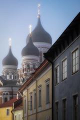 Trois croix au ciel/Three crosses in the sky/Tre kors i himlen (Elf-8) Tags: old city morning history fog gold tallinn estonia cross dome russian orthodox cathdral alexandernevsky