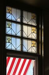 Glas in lood (3) (Maurits van den Toorn) Tags: window rotterdam hotelnewyork glasinlood raam venster roodwit