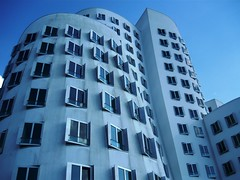 Gehry Bauten 04 (pithopani71) Tags: outdoor gehry architektur düsseldorf gebäude bauten gebäudekomplex