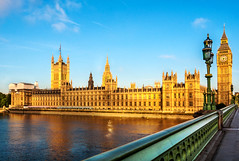 A quarter past six, London time (Tortie Cat) Tags: thepalaceofwestminster london uk outdoor skyline theriverthames westminsterbridge afternoon light goldencolour travel housesofparliament cultural sightseeing europe bigben magichour sunset goldenhour daylight landmark