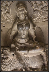 Parvati, kali y Durga. (Fotocruzm) Tags: india asia kali maharashtra durga parvati aurangabad patrimoniomundialdelahumanidad hinduista rupiaindia cuevasellora fotocruzm mcruzmatia religiónhinduista grutabudista