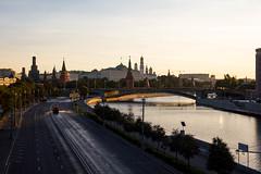Sunrise at the Kremlin, III (OculusFilm) Tags: sunrise river landscape alba russia moscow fiume fluss moskou mosca kremlin rusland rivier   zonsopkomst  hansdejonge oculusfilm 00timeofday