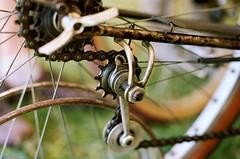 Cyclo rear derailleur (Karibouski) Tags: joroutens bourdel vintage bicycles frenchconstructeur constructeur randonneur randonnee ffct edelbikes victoirecycles randobro randovibes french goldenage handbuiltbicycles canon ishootfilm analog filmisnotdead