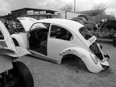 The Old Volks Home (22M) - 24 October 2016 (John Oram) Tags: vw volkswagen vwbeetle frenchs theautoclinic yuccavalley 2002p1140314m mono bw