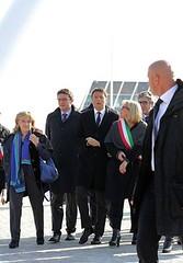 Matteo Renzi durante la sua visita ad Alessandria sul ponte Meier e alla Cittadella 1
