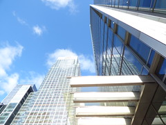 Sky is the limit! #canaryWharf #cloudHat #tallBuildings (gionescu4) Tags: tallbuildings cloudhat canarywharf