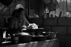 Cocina tradicional mexicana (GeorgiaStereo) Tags: cocina comida molcajete fuego canon morelos mxico quesadillas maz