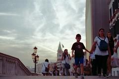 Il sole tramonta dietro Riva degli Schiavoni (franz_brocchi) Tags: venice italy rivadeglischiavoni leicaiii industar film analog fujifilmsuperia wwwmscfotoit analogicait