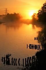 River Exe at Dawn (matt.clark25) Tags: sunrise dawn morning orange red mist fog water exe riverexe devon exeter doublelocks sky calm autumn groynes