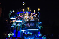 IMG_0898 (kattwyllie) Tags: tokyodisney tokyodisneyland dreamlights tokyodisneyelectricalparade electricalparade disneyselectricalparade churro tokyodisneyresort tangled aladdin petesdragon disneyperformer facecharacter disneyprincess