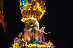 IMG_0921 (kattwyllie) Tags: tokyodisney tokyodisneyland dreamlights tokyodisneyelectricalparade electricalparade disneyselectricalparade churro tokyodisneyresort tangled aladdin petesdragon disneyperformer facecharacter disneyprincess