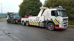 Volvo FM12 Rear Suspending 6 Wheeler Hook Loader (JAMES2039) Tags: volvo fm12 tow towtruck truck lorry wrecker heavy underlift heavyunderlift 6wheeler rear rearsuspend daf 75 85 grab ca02tow cardiff rescue breakdown ask askrecovery recovery skip skiplorry rollonrolloff