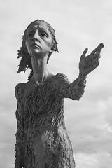 Madre del Emigrante (Enrique Garcia Polo) Tags: gijn escultura asturias principadodeasturias espaa es