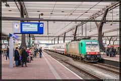 03-12-16 NMBS 2835 + i10 rijtuigen, Rotterdam Centraal (Julian de Bondt) Tags: nmbs br186 186 traxx i10 sncb rotterdam centraal