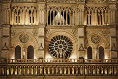Paris (Noir et Blanc 19) Tags: paris notredame nightlights nuits cathédrale sony a77
