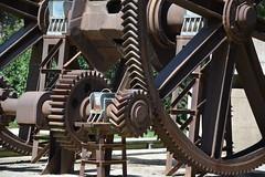 Parque de la Ciudadela (jbazaco) Tags: barcelona parque de la gear ciudadela engranaje