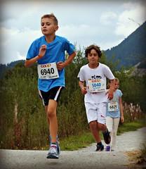 Hard (Cavabienmerci) Tags: boy sports boys sport youth race children schweiz switzerland  child suisse running run runners pied runner engadin engadine lufer lauf 2015 graubnden grisons samedan coureur engadiner sommerlauf coureurs engiadina