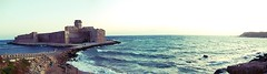 Panoramica della fortezza di Le Castella, Isola di Capo Rizzuto - Crotone - Calabria - Italy (Revolweb) Tags: sea vacation italy holiday castle heritage beach mare fortress castello calabria spiaggia vacanza vacanze fortezza lecastella yourcountry