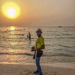 #Dubai #Jumera #Beach #Red #Sunset (ahmedabdul.rehman) Tags: sunset red beach dubai jumera uploaded:by=flickstagram instagram:photo=10628271106559090491507024918 instagram:venuename=jumeraopenbeach instagram:venue=258563279