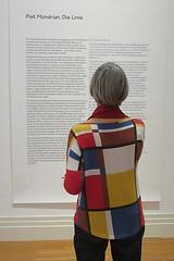Inneres und ueres Gleichgewicht (unterwegs_in_berlin) Tags: berlin kreuzberg exhibition ausstellung pietmondrian martingropiusbau dielinie blaugelbrotschwarz