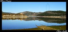 Final de camino (Bea Ankh) Tags: espaa agua camino zaragoza espejo reflejo tranquera embalse tierra nuvalos