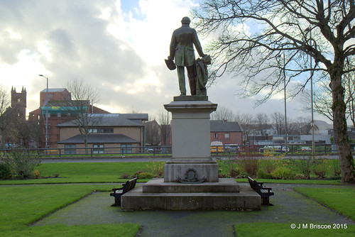 Dumbarton, Church Street, Municipal Buildings, Peter Denny Statue
