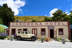 Cardrona Hotel (yannick.daligault) Tags: newzealand car canon voiture chrysler cardrona