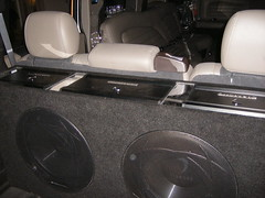 Vue Ultra Lounge H2 Hummer Limo (California Custom Sounds) Tags: limo diamond hummer h2 kenwood californiacustomsounds
